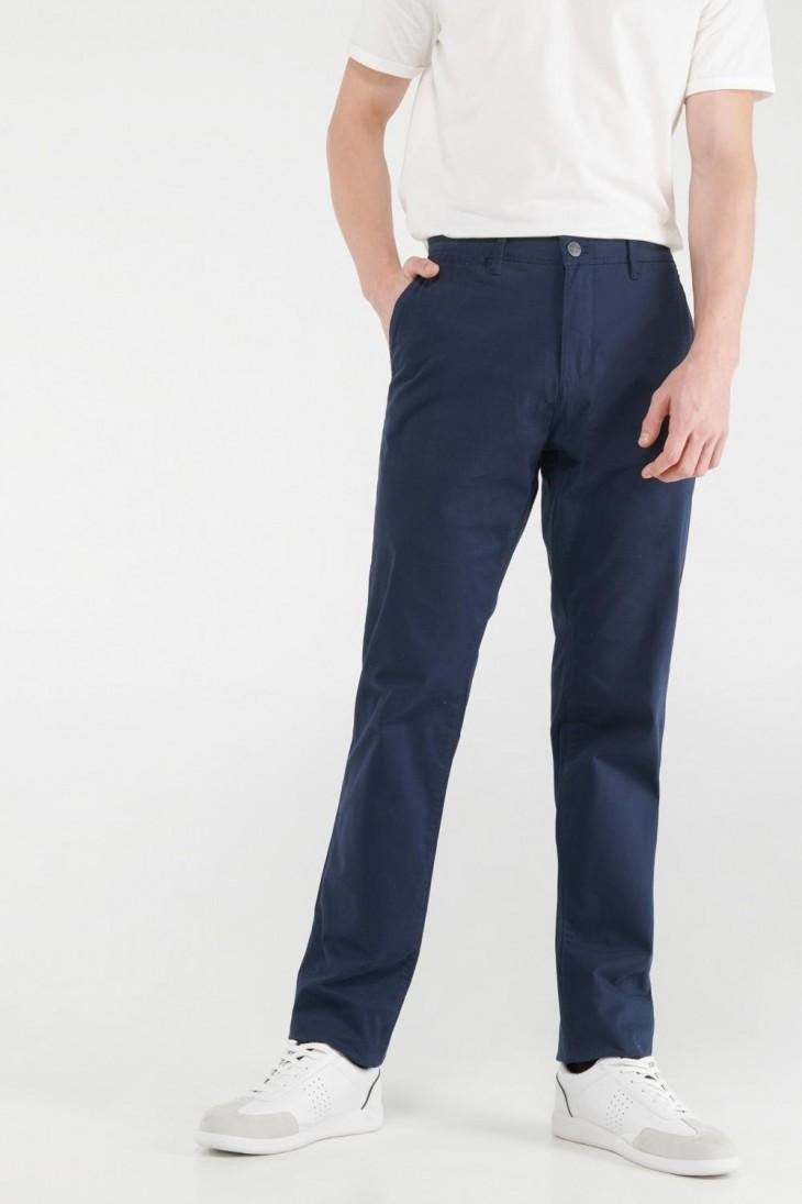 Pantalón unicolor tipo chino slim